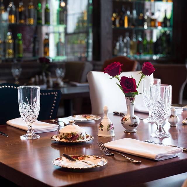 Dining Room - Balmoral Restaurant, Campton Hills, IL