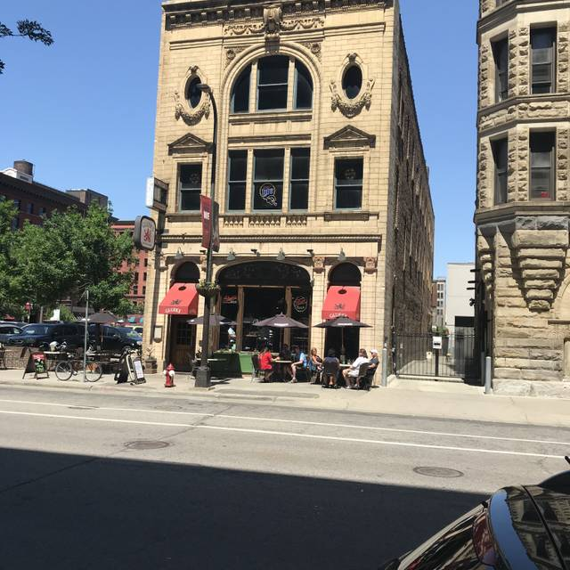 Gluek's Restaurant & Bar, Minneapolis, MN