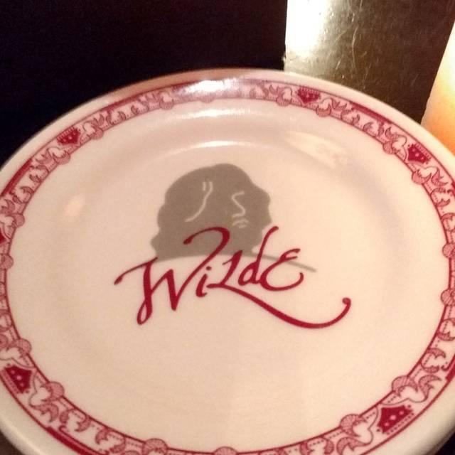 Wilde Bar & Restaurant, Chicago, IL