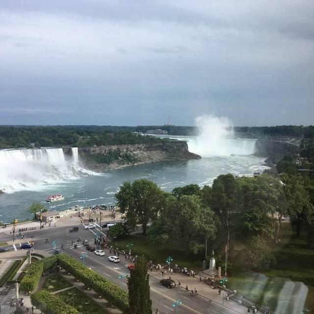 Massimo's Italian Fallsview Restaurant, Niagara Falls, ON