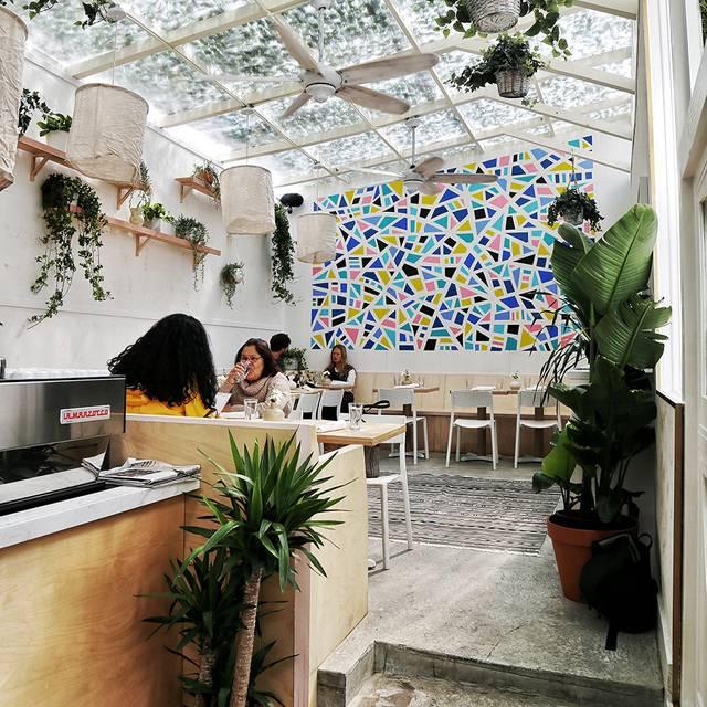 -shot - Loosie's Kitchen, Brooklyn, NY