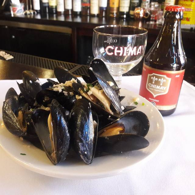 Unlimited Mussel Monday - Bistro La Source, Jersey City, NJ