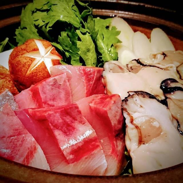 鰤と牡蠣のさっぱりみぞれ鍋 - ぬる燗 佐藤, 港区, 東京都