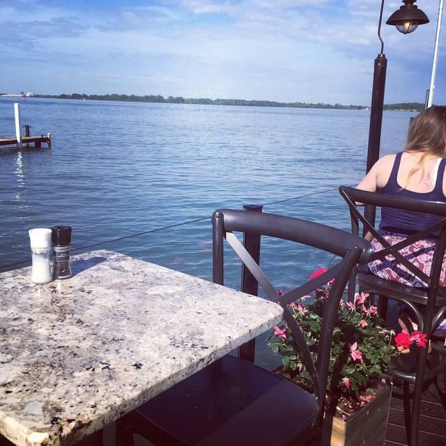 The Waterfront Restaurant & Lounge, Wyandotte, MI