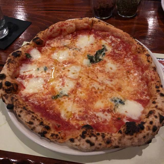 La Italian Kitchen: La Posta Pizzeria & Italian Kitchen Restaurant