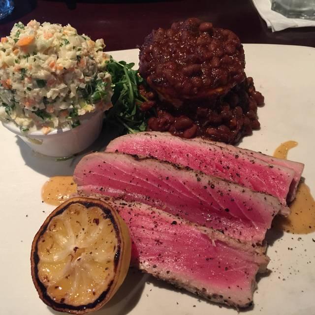 Bâton Rouge Steakhouse & Bar - Halifax, Halifax, NS