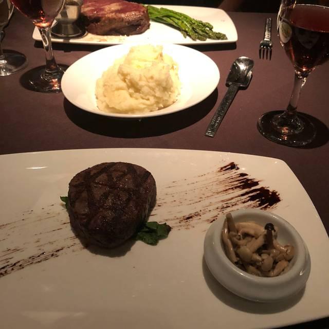 Mignon's Steaks & Seafood, Biloxi, MS
