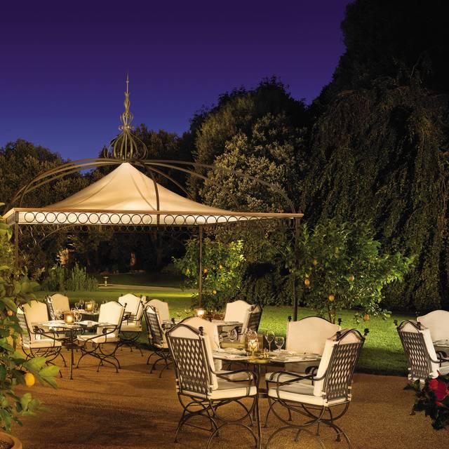Il Palagio Restaurant Terrace - Four Seasons - Hotel Firenze -Il Palagio - Italy