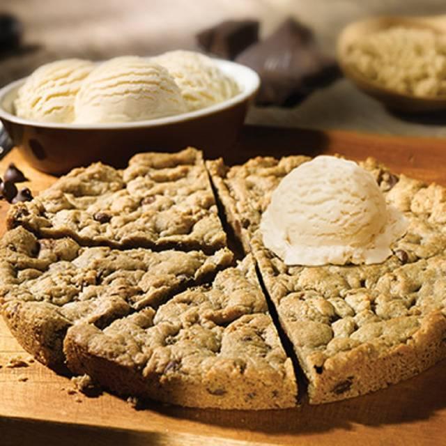 Big Cookie - Old Chicago Pizza & Taproom - Wichita - Old Town, Wichita, KS