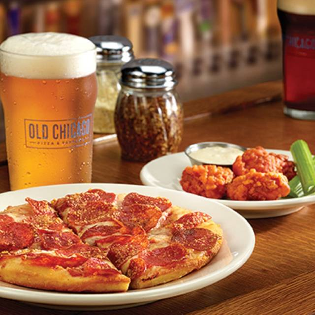 Pizza & Wings - Old Chicago Pizza & Taproom - Wichita - Old Town, Wichita, KS