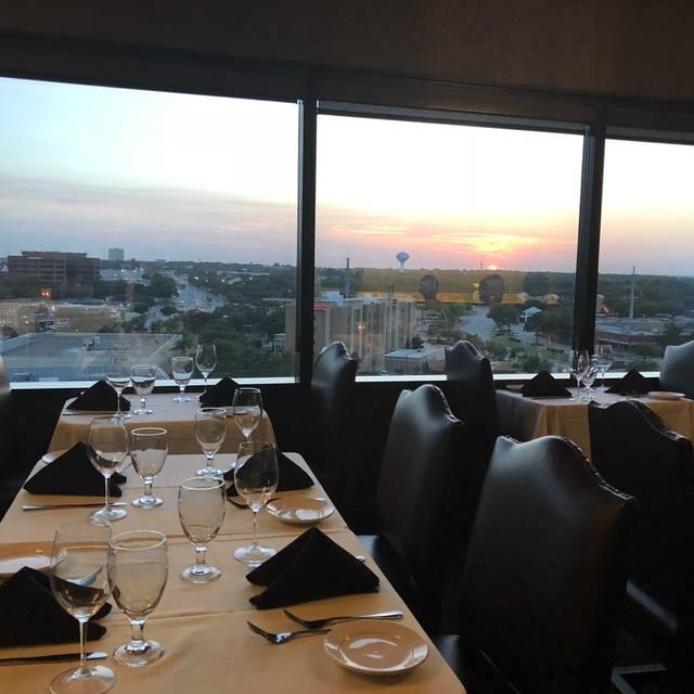 Mercury Chophouse - Arlington, Arlington  Restaurant Info, Reviews
