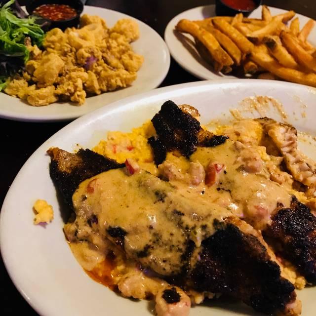Henry's Louisiana Grill, Acworth, GA