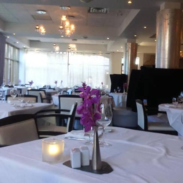 Liv Restaurant - White Oaks Resort & Spa, Niagara-on-the-Lake, ON