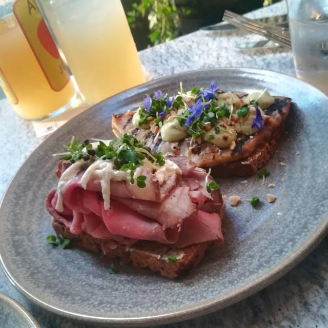 Ekte Nordic Kitchen Restaurant - London,