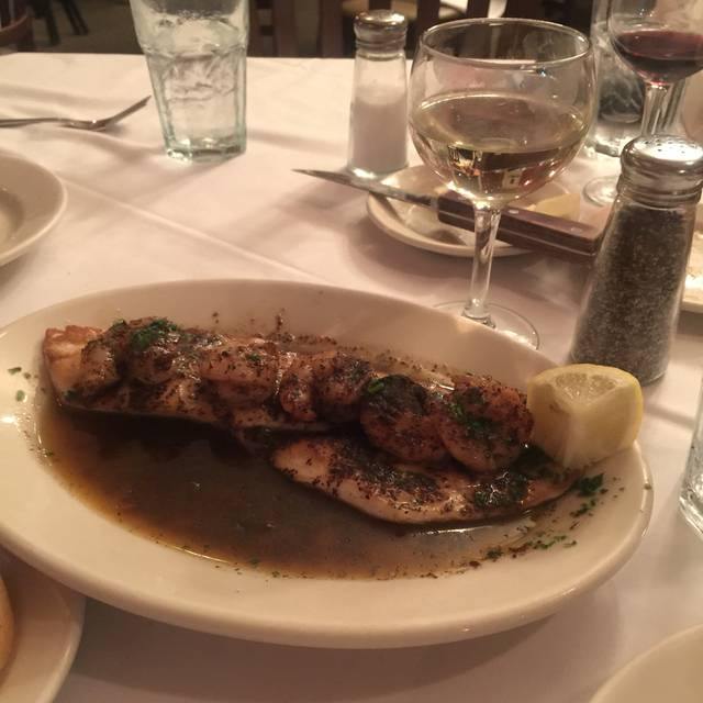 Pascal\'s Manale Restaurant - New Orleans, LA | OpenTable