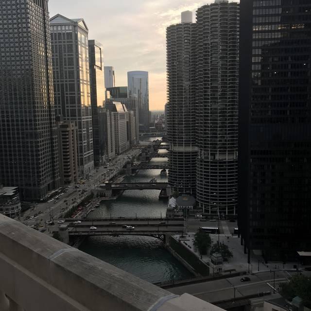 LH on 21, Chicago, IL