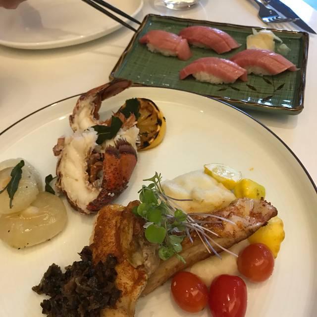 Miku Restaurant - Toronto, Toronto, ON