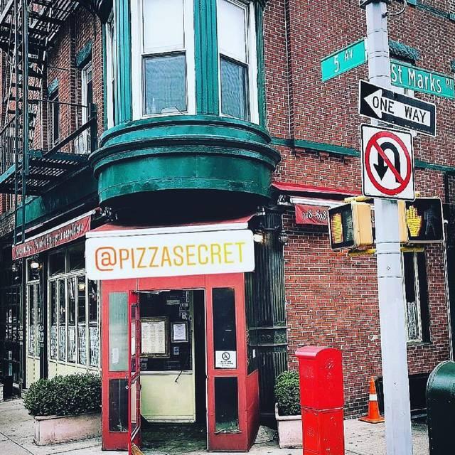 Pizza Secret, Brooklyn, NY