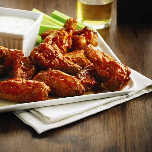 Chicken Wings - Boston Pizza - Front & John, Toronto, ON