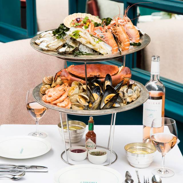 Plateau De Fruits De Mer () - J Sheekey Outside Terrace at the Atlantic Bar, London