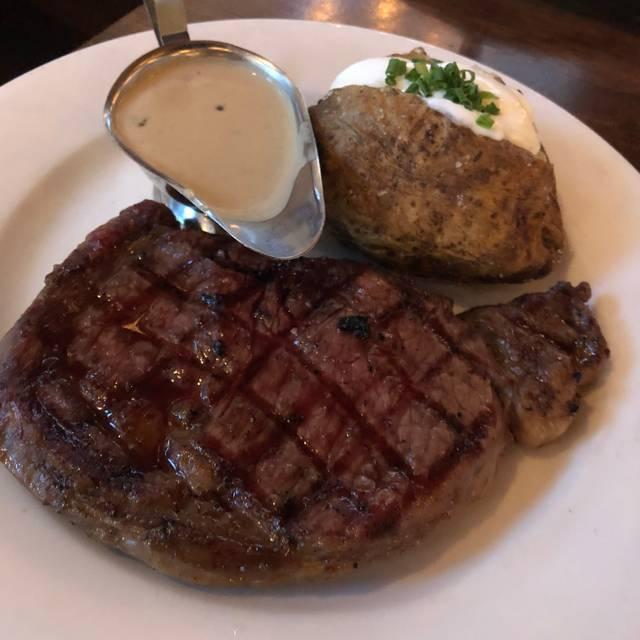 Smith Bros. Steakhouse Tavern, Toronto, ON