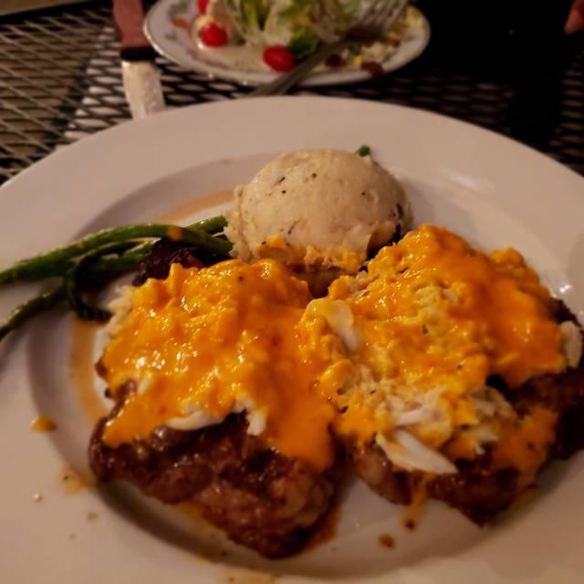 FoxGardin Kitchen & Ale, Fortville, IN