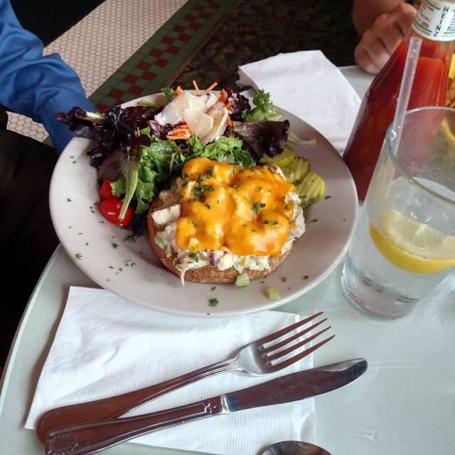 Robin's Nest Restaurant, Mount Holly, NJ