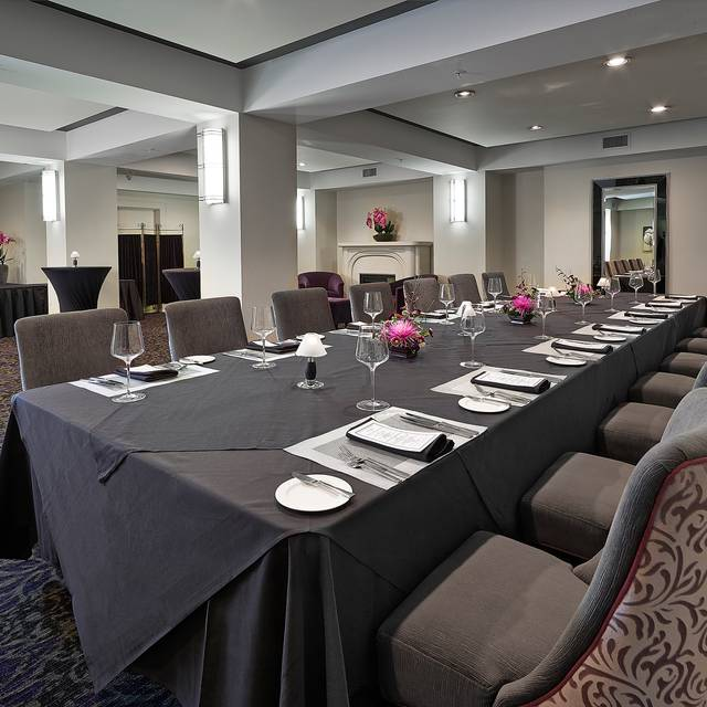 Devonshire Room Private Dining - Madison's Grill - Union Bank Inn, Edmonton, AB