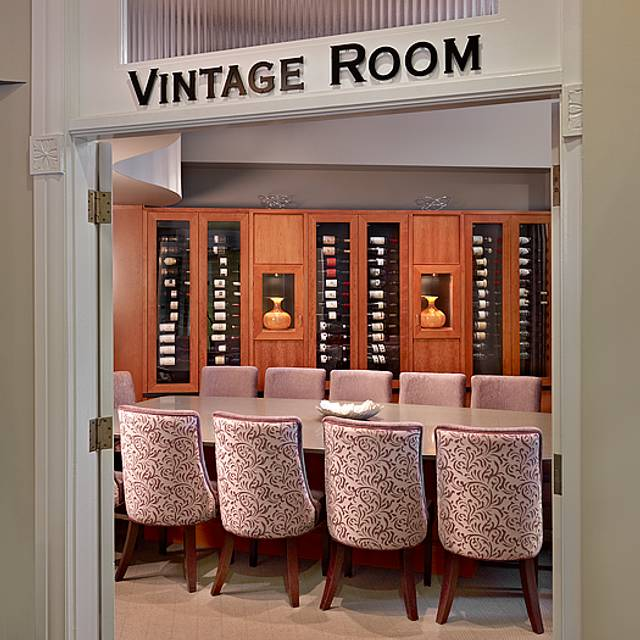 Vintage Room - Madison's Grill - Union Bank Inn, Edmonton, AB