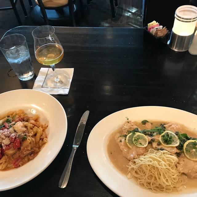 Cooper's Hawk Winery & Restaurant - Wheeling, Wheeling, IL