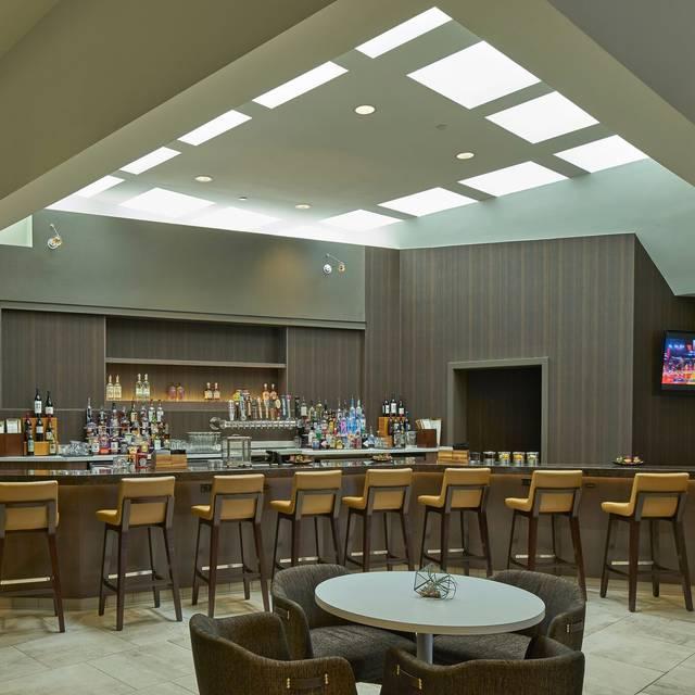 88 Oaks Carolina Kitchen And Bar Restaurant