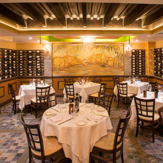 Joeephs-interior - Joseph's Restaurant, New York, NY