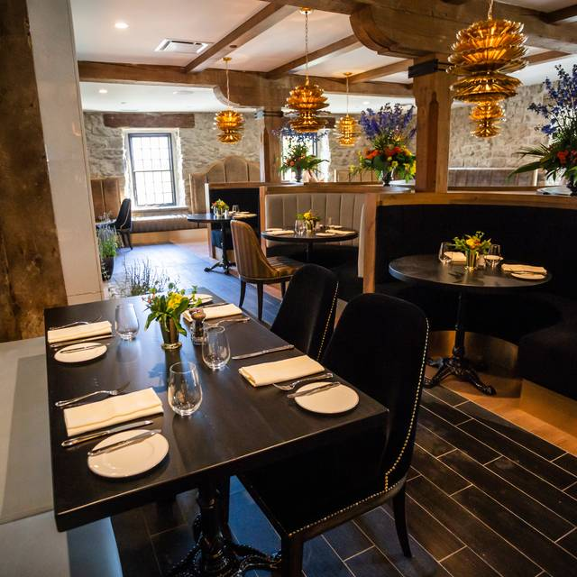 Grandopening-jonolaynie () - Elora Mill Restaurant, Elora, ON