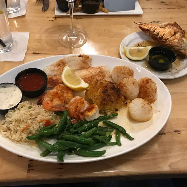 Fat Tuna Grille & Oyster House, Williamsburg, VA
