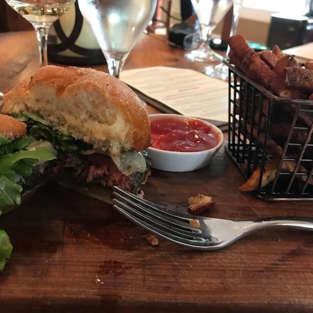 The West End Wine Bar & Pub, Purcellville, VA