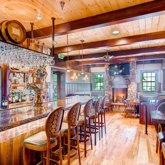 Sandy - Interior - Greenbriar Inn, The, Boulder, CO