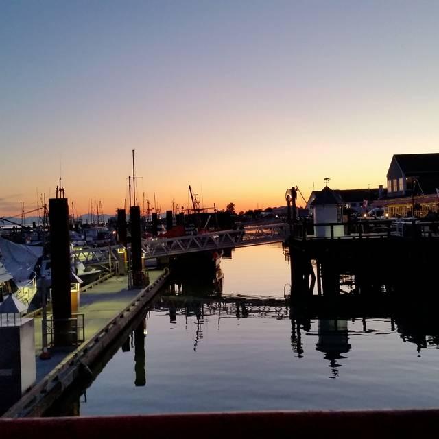 Blue Canoe Waterfront Restaurant, Richmond, BC