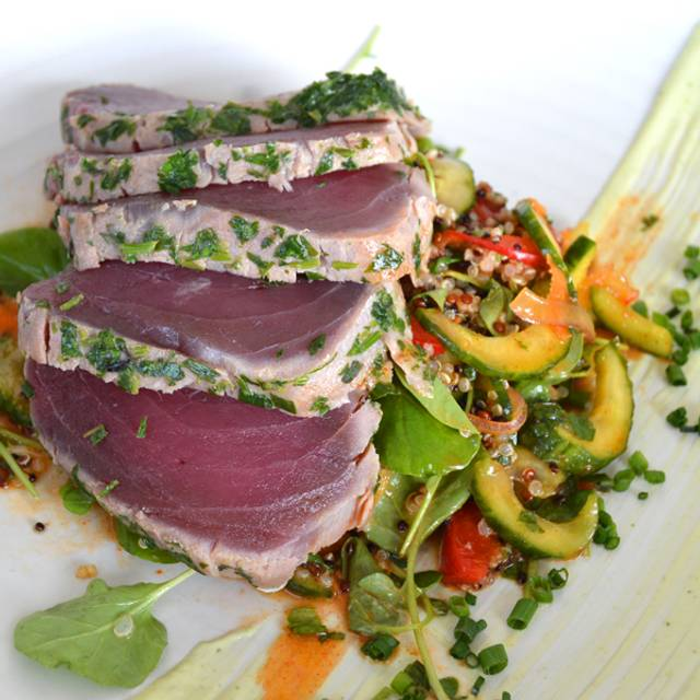 Ahi-tuna-top - GG's Waterfront Bar & Grill, Hollywood, FL