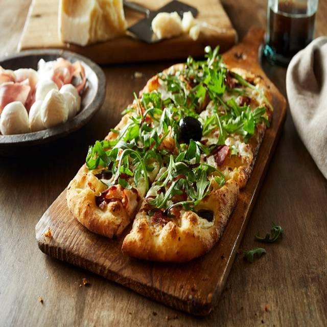 Verde Pizza Flatbread - Bertucci's - Alewife, Cambridge, MA