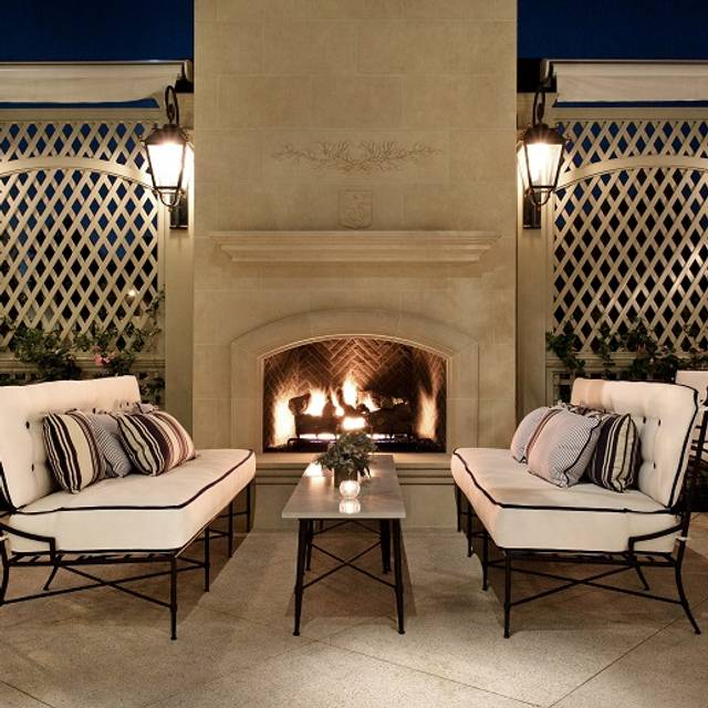 Pbh The Belvedere Terrace Fireplace Evening Dylan+jeni - The Belvedere at The Peninsula Beverly Hills, Beverly Hills, CA