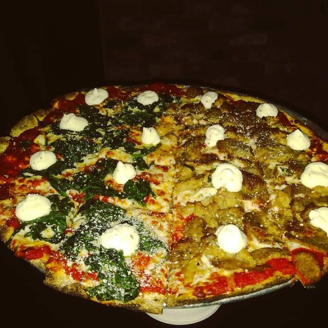 Capo's Chicago Pizza & Fine Italian Dinners, San Francisco, CA