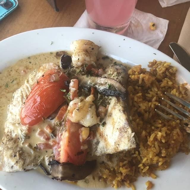 Hemingway's Island Grill - Pensacola Beach, Pensacola Beach, FL