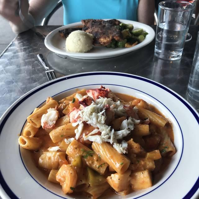 Pepperoncini Restaurant & Bar Conshohocken, Conshohocken, PA