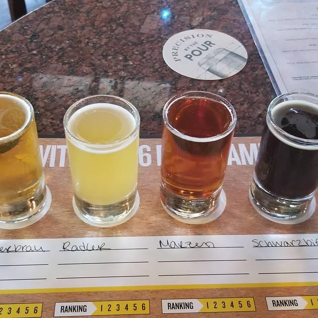 Gordon Biersch Brewery Restaurant - San Diego, San Diego, CA