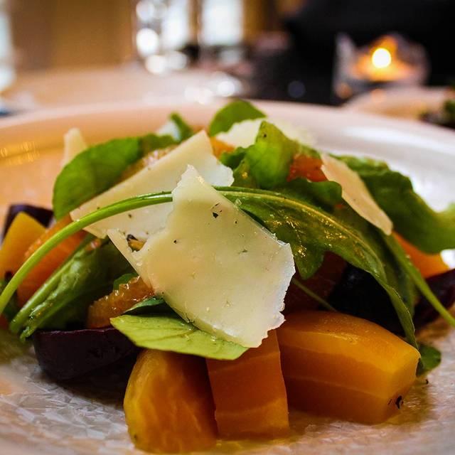 Salad - The Parrott House, Roseburg, OR