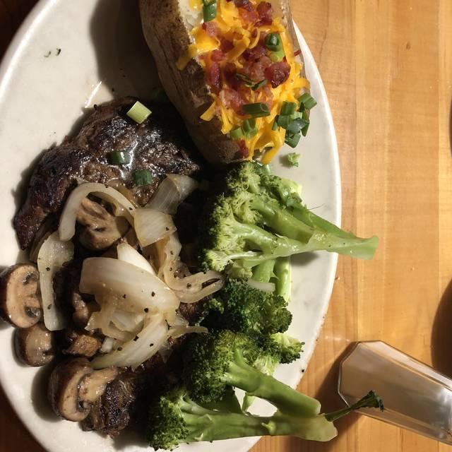 Black Angus Steakhouse - Fresno, Fresno, CA