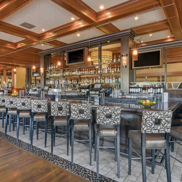 Bar And Lounge - McCormick & Schmick's Seafood - Charlotte (Southpark Mall), Charlotte, NC
