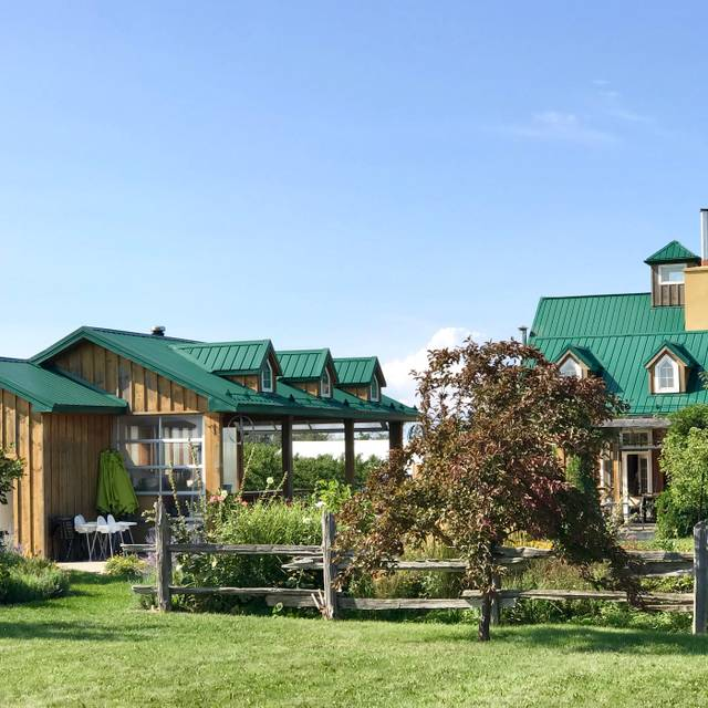 The Good Earth Vineyard And Winery, Beamsville, ON