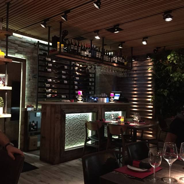 lola restaurant & grill - lincoln rd. - miami beach, fl