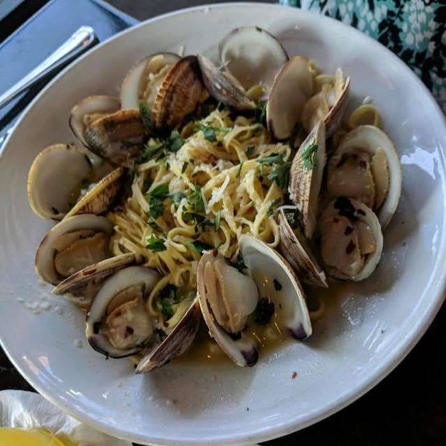Real Seafood Company - Bay City, Bay City, MI